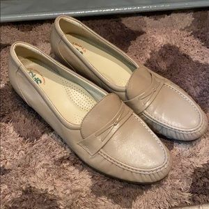 SAS Loafers Size 11.5 Medium